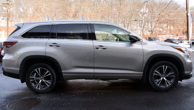 2016 Toyota Highlander XLE Waterbury, Connecticut 7