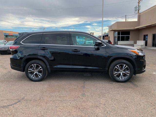 2016 Toyota Highlander XLE 3 MONTH/3,000 MILE NATIONAL POWERTRAIN WARRANTY Mesa, Arizona 5