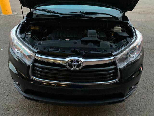 2016 Toyota Highlander XLE 3 MONTH/3,000 MILE NATIONAL POWERTRAIN WARRANTY Mesa, Arizona 8