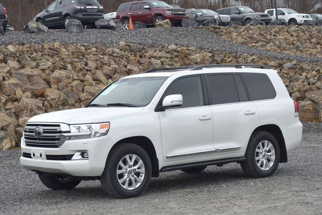 2016 Toyota Land Cruiser Naugatuck, Connecticut