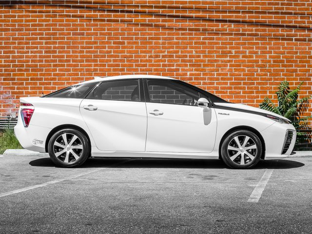 2016 Toyota Mirai FCV Burbank, CA 4