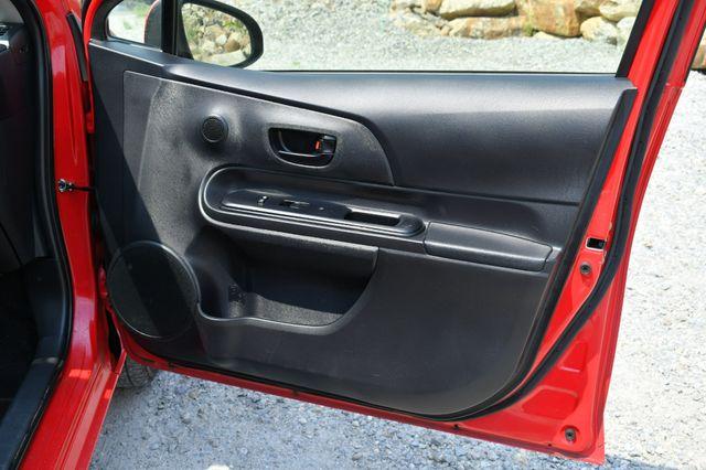 2016 Toyota Prius c One Naugatuck, Connecticut 11