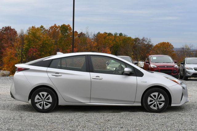 2016 Toyota Prius Naugatuck, Connecticut 5