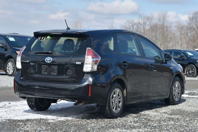 2016 Toyota Prius v Two Naugatuck, Connecticut 4