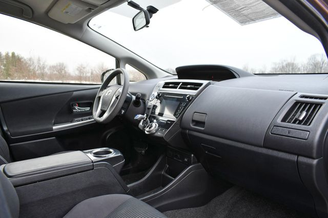 2016 Toyota Prius v Two Naugatuck, Connecticut 10