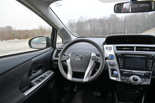 2016 Toyota Prius v Two Naugatuck, Connecticut 14