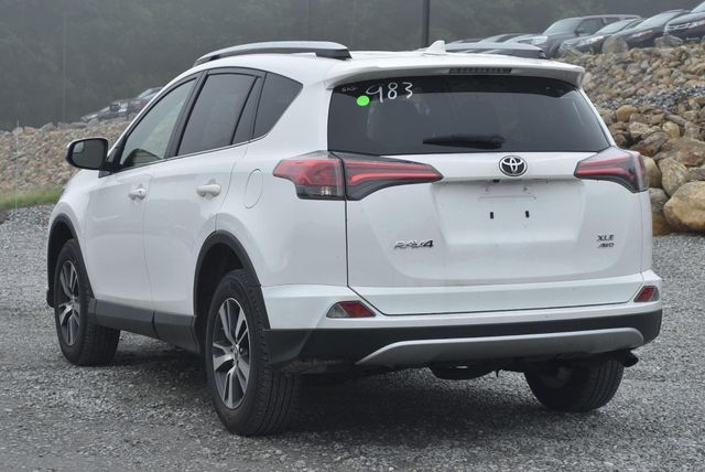 2016 Toyota RAV4 XLE Naugatuck, Connecticut 2