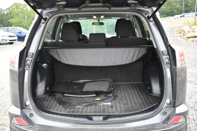 2016 Toyota RAV4 LE Naugatuck, Connecticut 12