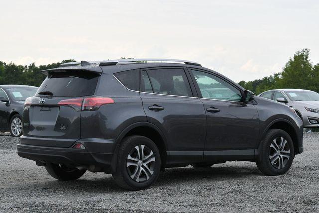 2016 Toyota RAV4 LE Naugatuck, Connecticut 4