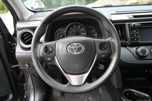 2016 Toyota RAV4 LE AWD Naugatuck, Connecticut 11
