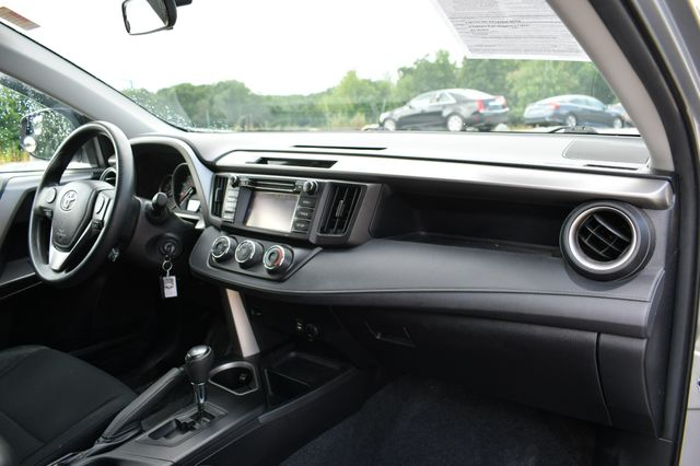 2016 Toyota RAV4 LE Naugatuck, Connecticut 10