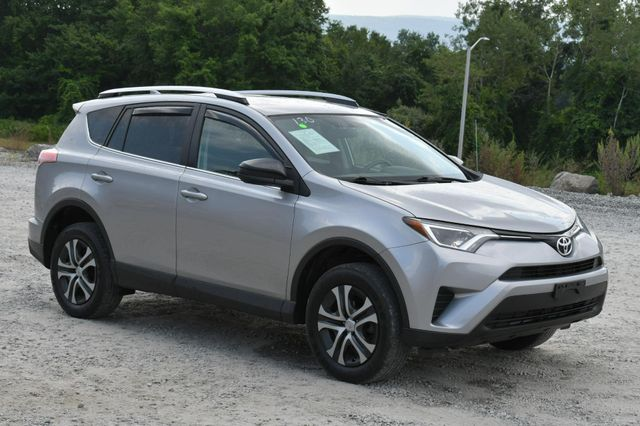 2016 Toyota RAV4 LE Naugatuck, Connecticut 8