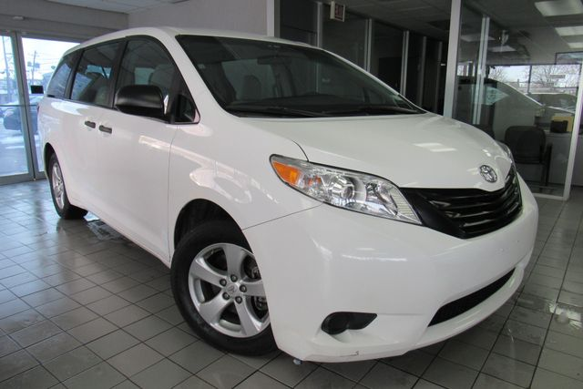 2016 Toyota Sienna L W/ BACK UP CAM Chicago, Illinois