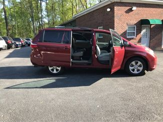 2016 Toyota Sienna LE Handicap Wheelchair accessible van Dallas, Georgia 17