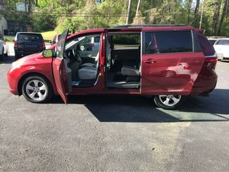 2016 Toyota Sienna LE Handicap Wheelchair accessible van Dallas, Georgia 6