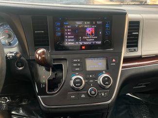 2016 Toyota Sienna Ltd Premium Farmington, MN 10