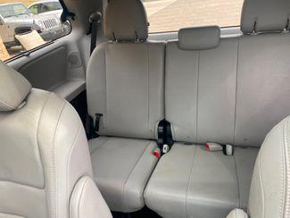 2016 Toyota Sienna Ltd Premium Farmington, MN 8