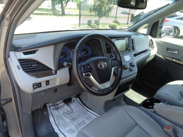 2016 Toyota Sienna XLE in Houston, TX 77075