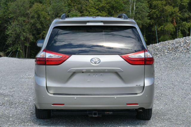 2016 Toyota Sienna XLE Naugatuck, Connecticut 3