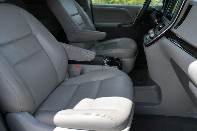 2016 Toyota Sienna XLE Naugatuck, Connecticut 10