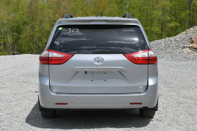 2016 Toyota Sienna XLE Naugatuck, Connecticut 5