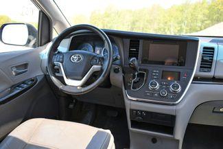 2016 Toyota Sienna XLE AWD Naugatuck, Connecticut 17