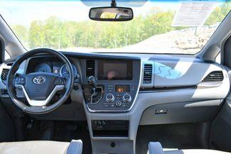 2016 Toyota Sienna XLE AWD Naugatuck, Connecticut 18