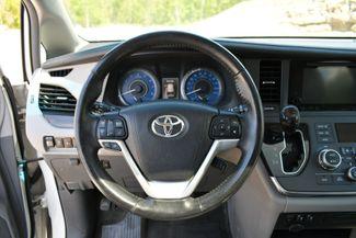 2016 Toyota Sienna XLE AWD Naugatuck, Connecticut 23