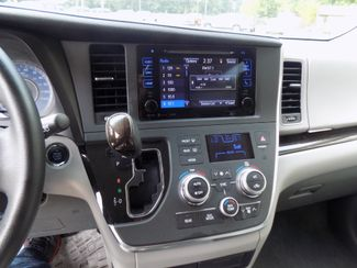 2016 Toyota Sienna XLE Premium Sheridan, Arkansas 14