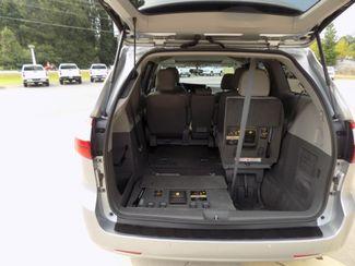 2016 Toyota Sienna XLE Premium Sheridan, Arkansas 5
