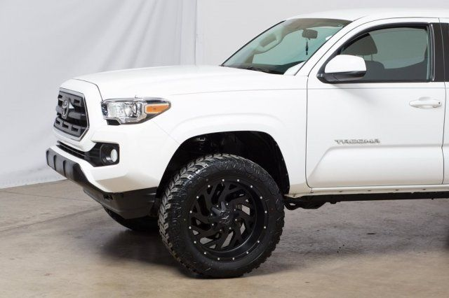 2016 Toyota Tacoma SR5 2in Level, New Wheels, New Tires in Dallas, TX 75001