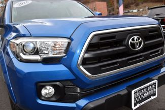 2016 Toyota Tacoma 4WD Double Cab V6 AT SR5 Waterbury, Connecticut 9