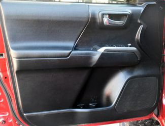 2016 Toyota Tacoma 4WD Double Cab V6 AT TRD Sport Waterbury, Connecticut 28