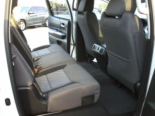 2016 Toyota Tundra SR5 CREWMAX Boerne, Texas 13