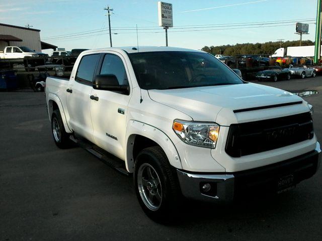 2016 Toyota Tundra SR5 CREWMAX Boerne, Texas 6