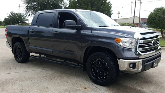 2016 Toyota Tundra SR5 LIFTED CUSTOM/TIRES AND WHEELS