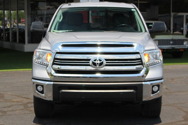 2016 Toyota Tundra SR5 Double Cab 4x4 TRD OFF ROAD - BLIND SPOT! Mooresville , NC 16