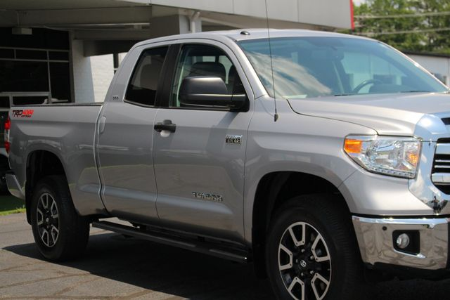 2016 Toyota Tundra SR5 Double Cab 4x4 TRD OFF ROAD - BLIND SPOT! Mooresville , NC 25