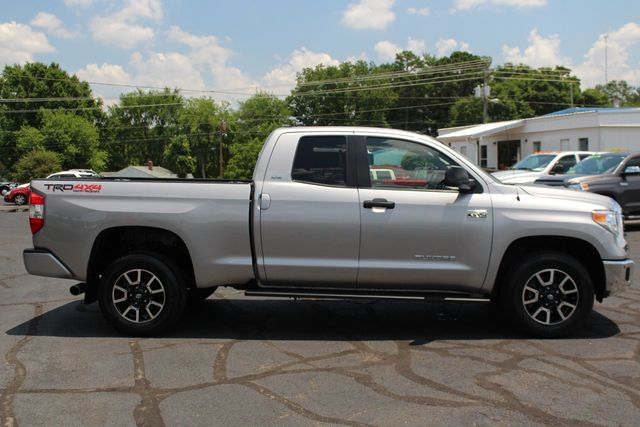 2016 Toyota Tundra SR5 Double Cab 4x4 TRD OFF ROAD - BLIND SPOT! Mooresville , NC 14