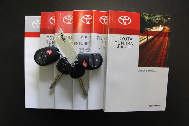 2016 Toyota Tundra  SR5 CREWMAX 4X4 FFV Richmond, Virginia 29