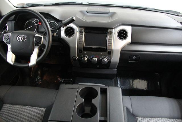 2016 Toyota Tundra  SR5 CREWMAX 4X4 Richmond, Virginia 4