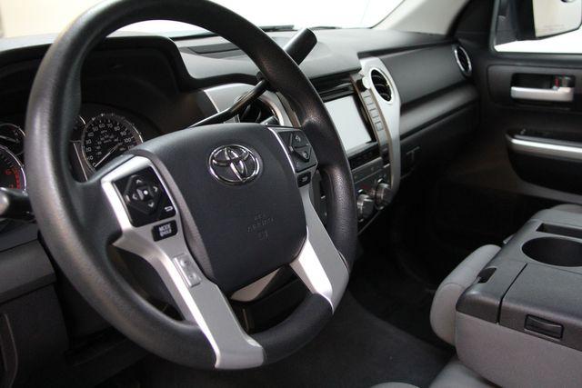 2016 Toyota Tundra  SR5 CREWMAX 4X4 Richmond, Virginia 3