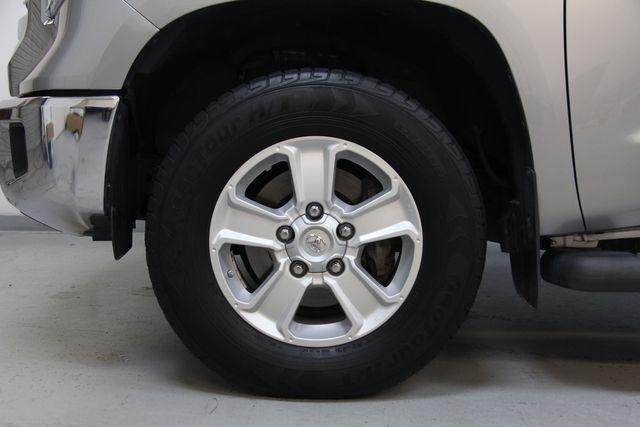2016 Toyota Tundra  SR5 CREWMAX 4X4 Richmond, Virginia 30