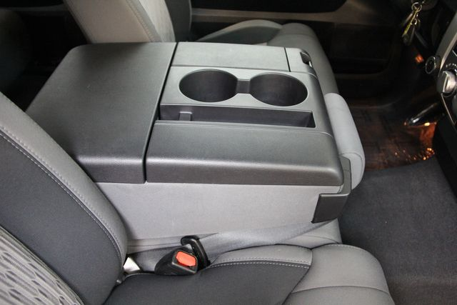 2016 Toyota Tundra  SR5 CREWMAX 4X4 Richmond, Virginia 18