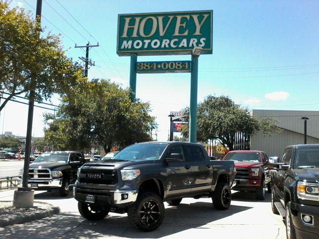 2016 Toyota Tundra SR5 CrewMax 4x4 San Antonio, Texas 3