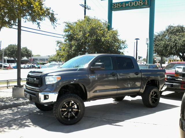 2016 Toyota Tundra SR5 CrewMax 4x4 San Antonio, Texas 4