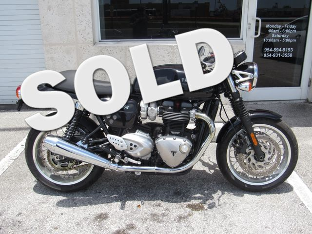 2016 Triumph Thruxton 1200 in Dania Beach Florida, 33004