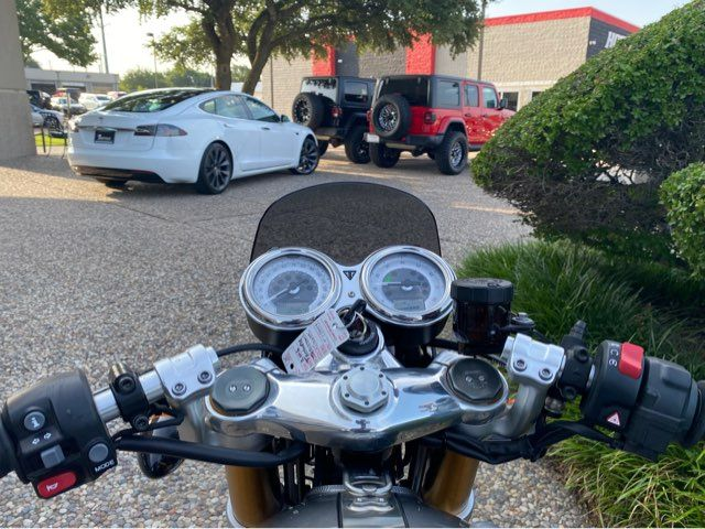 2016 Triumph Thruxton 1200 R in McKinney, TX 75070