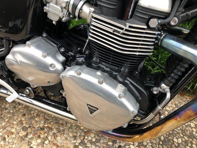 2016 Triumph Thruxton 900 in McKinney, TX 75070