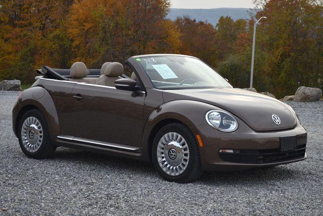 2016 Volkswagen Beetle Convertible 1.8T SE Naugatuck, Connecticut 3